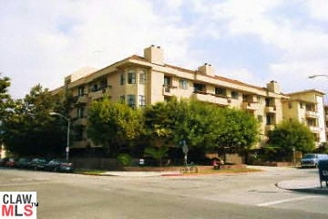 SOLD!!! 8642 GREGORY WAY #203