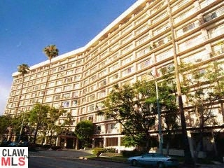 SOLD!!! 100 S DOHENY DR #724