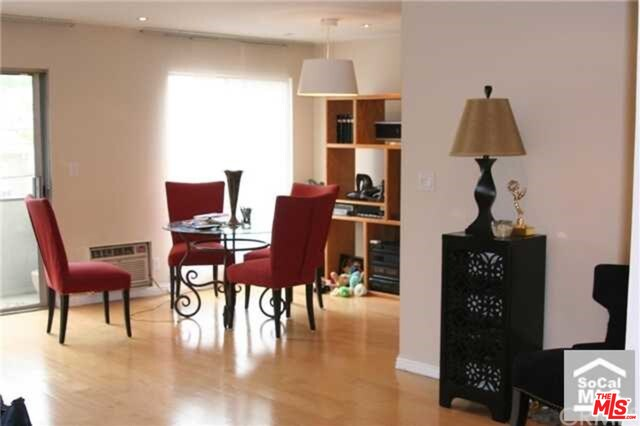 SOLD!!! 117 S DOHENY DR #303