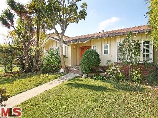SOLD!!! 121 S ALMONT DR